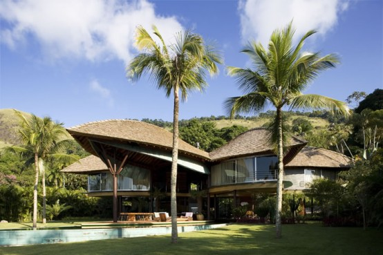 unusual-tropical-house-design-7-554x369
