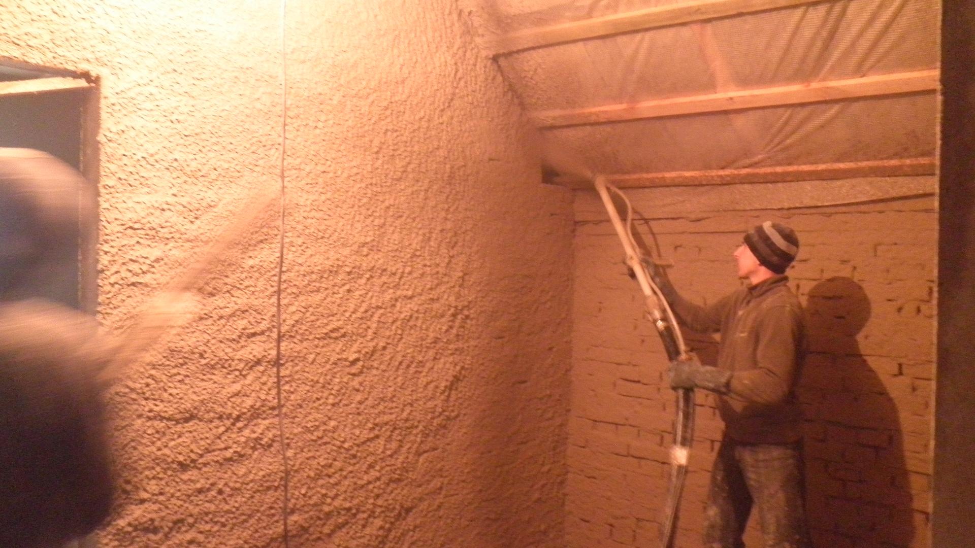 Как выровнять стены в саманном доме своими руками 54
