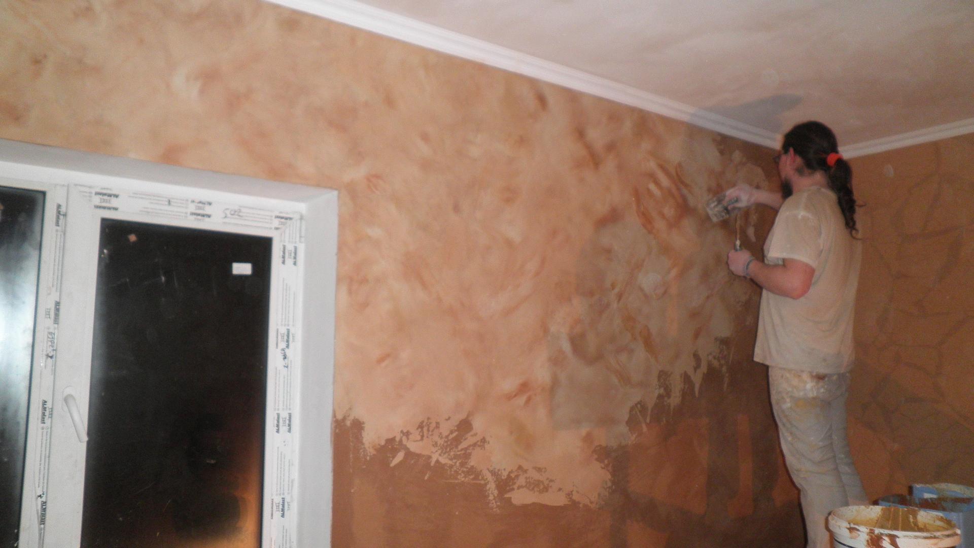 Шпатлевка стен перед поклейкой обоев